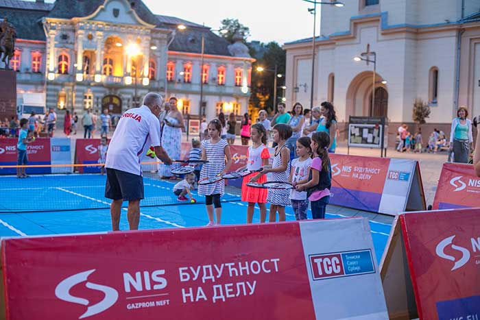 """NIS otvorena škola tenisa"" posetila Zrenjanin"