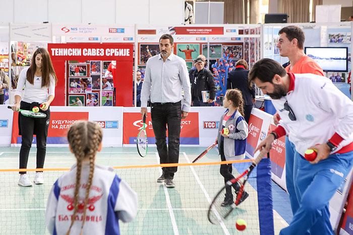 """""""НИС отворена школа тениса"""" на сајму спорта"""