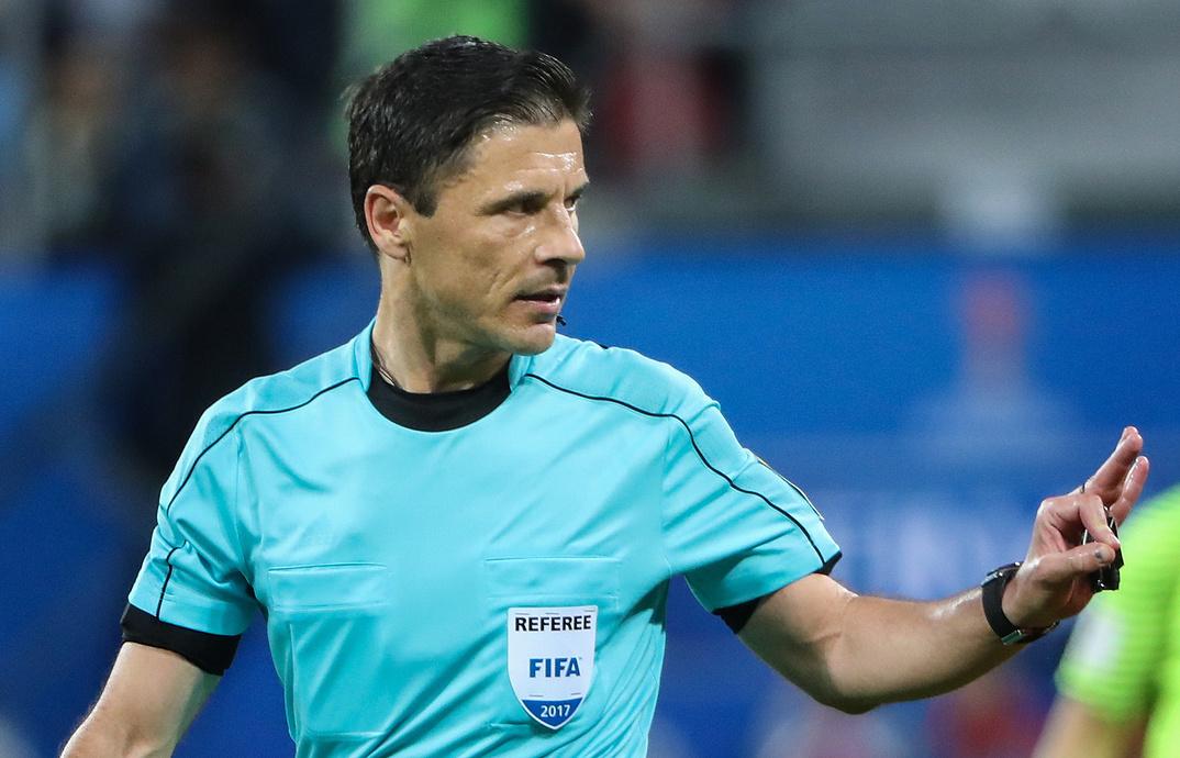 Milorad Mažić sudi na utakmici četvrtfinala Svetskog prvenstva