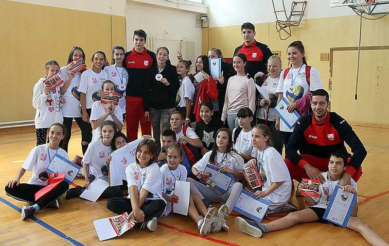 Одбојкашки час за најмлађе: Заједничка акција НИС-а и ОК Војводина