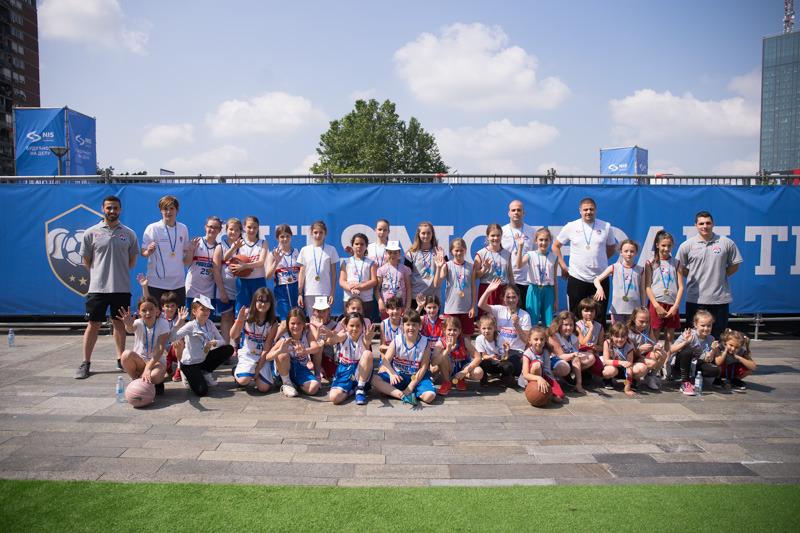 НИС и КСС настављају организацију мини баскет турнира за децу