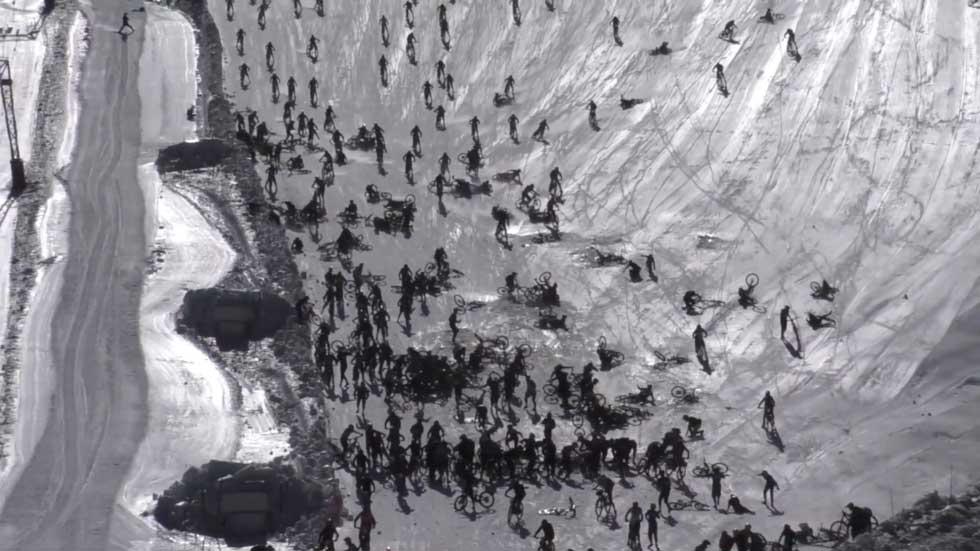 RT: Paklena planina!: Stotine bicilista palo u trci na Alpima