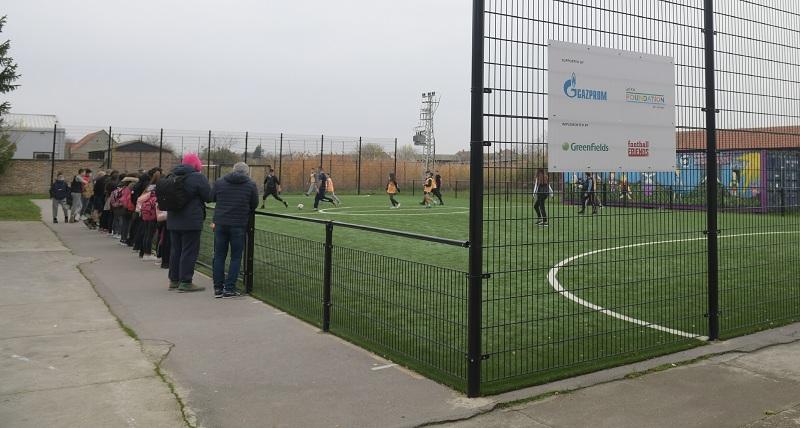 Фондација УЕФА за децу подржала Гаспромову донацију јавног фудбалског терена у Србији