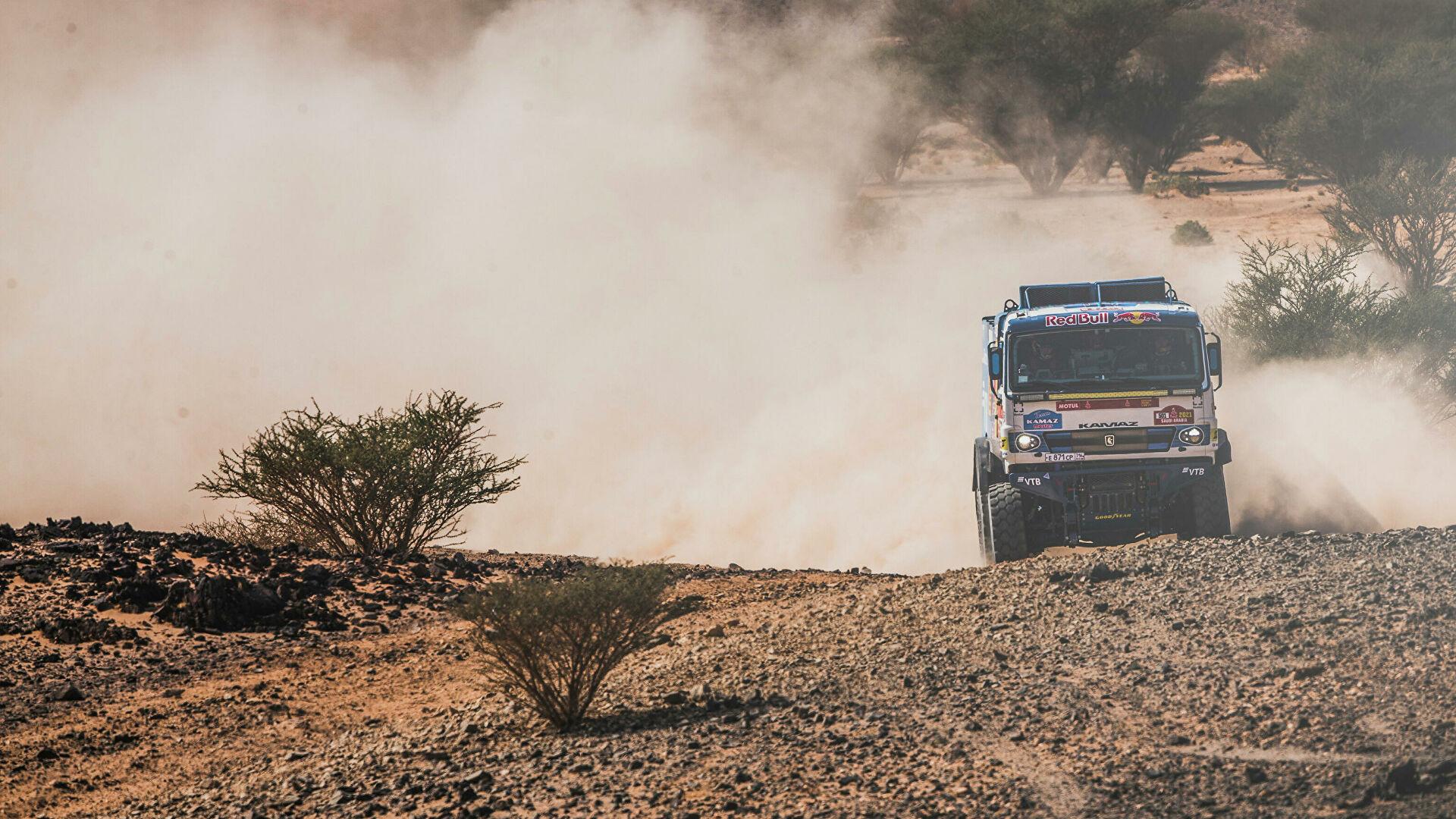 "Ruske ekipe ""KAMAZ-master"" zauzele prva tri mesta na reliju ""Dakar 2021"""
