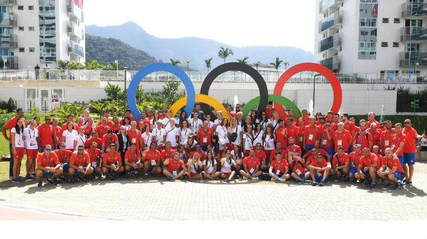 Дочек олимпијаца испред Дома Народне скупштине