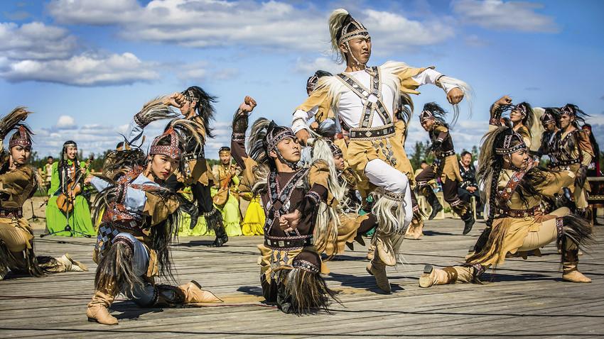 Како сибирски народ Јакути слави празник Летњег сунца