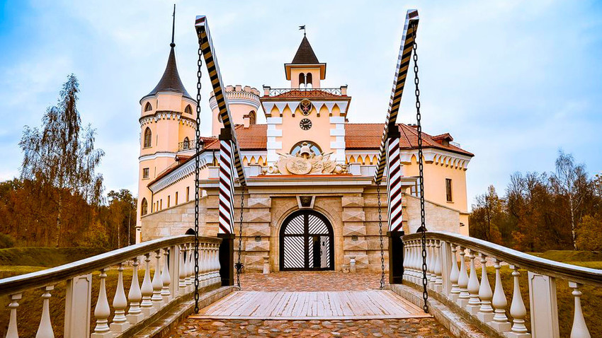 Десет необичних хотела у Русији