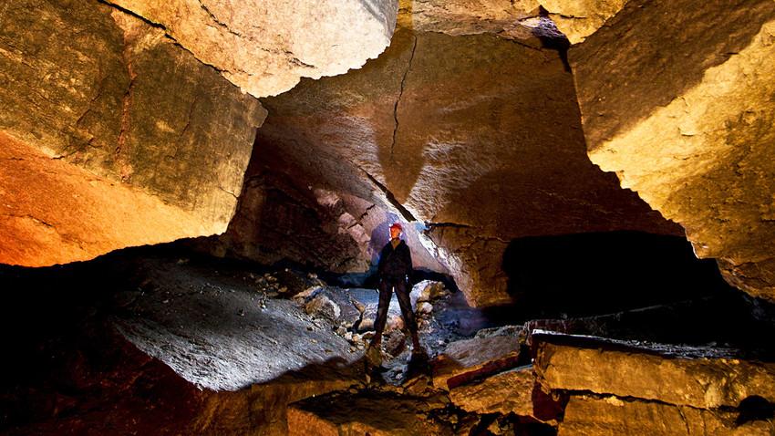 Десет руских пећина у којима можете залутати или изгубити разум