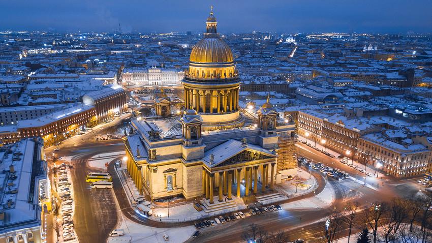 Седам предлога како да се зими забавите у Санкт Петербургу