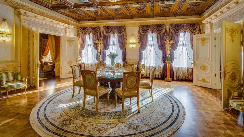 Осам крајње необичних кућа и станова које можете изнајмити у Русији