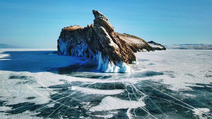 Бајкал у зимско доба: дођеш са фотоапаратом, одеш са пуним срцем