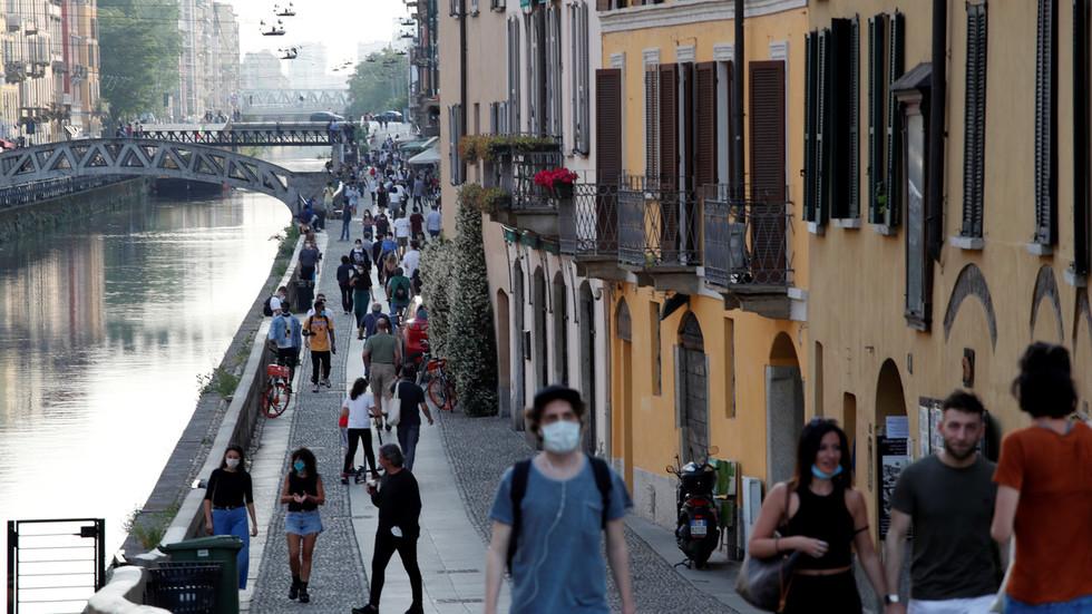 """РТ: Италија против """"туристичких коридора"""" између држава ЕУ, те позива на моментално отварање свих граница"""