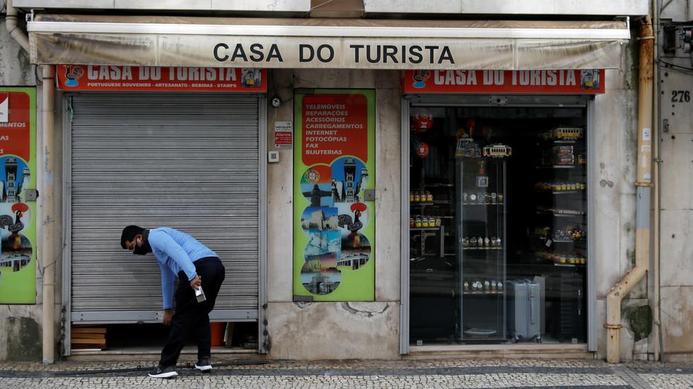 """РТ: Португалска """"врата су отворена за туристе"""" док су врата ЕУ и даље затворена"""