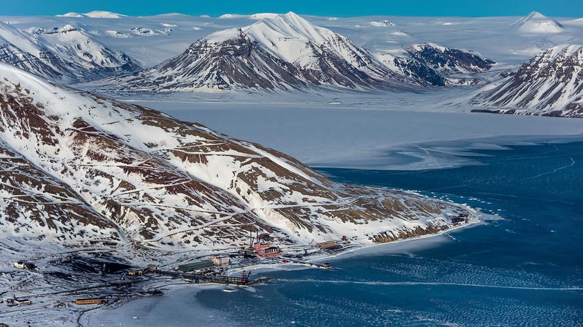 Pogledajte kako ljudi žive na Arktiku, u naseljima Barencburg i Piramida