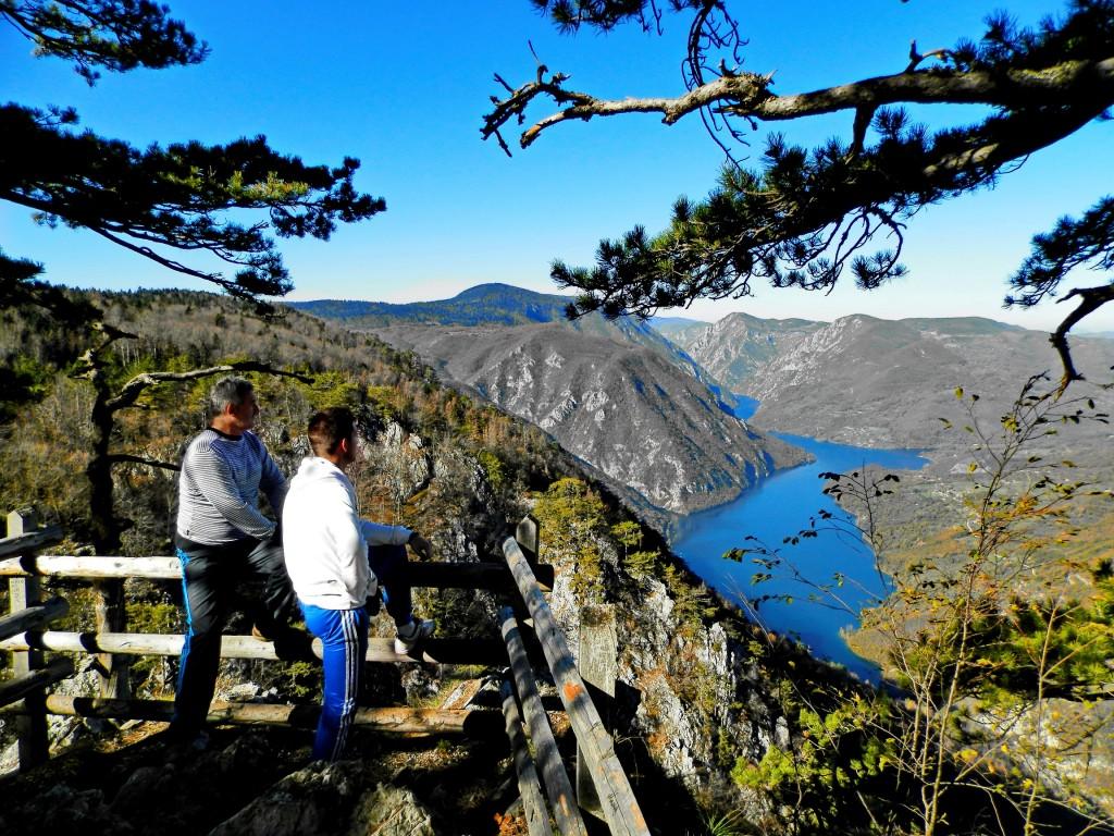 Први туристички водич о Србији на руском језику