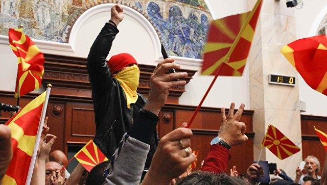 Албански као други званични језик у БЈР Македонији поделио политичке струје