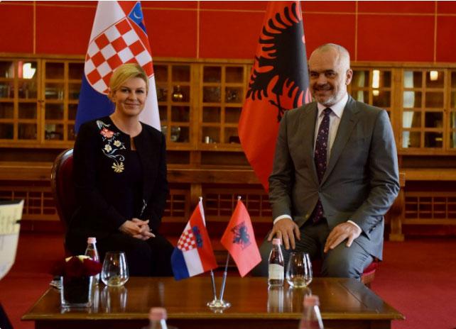"""Колинда верује да су Албанци """"браћа по оружју"""