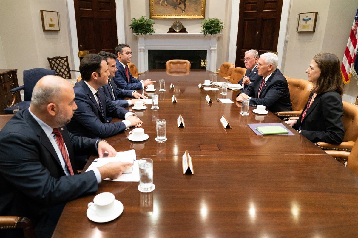 Заев: Не добијамо никакву конкретну подршку САД у борби против руске пропаганде