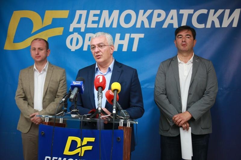 Кнежевић и Мандић затражили помоћ од Путина, Макрона и Вучића због поступака власти у Подгорици