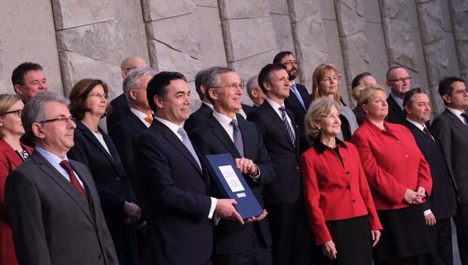 Иванов није присуствовао церемонији подизања НАТО заставе испред зграде Владе у Скопљу