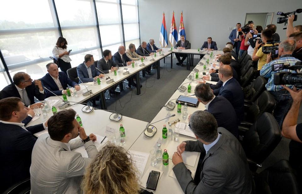 Милачић: Састанак Срба из региона са Вучићем охрабрујући
