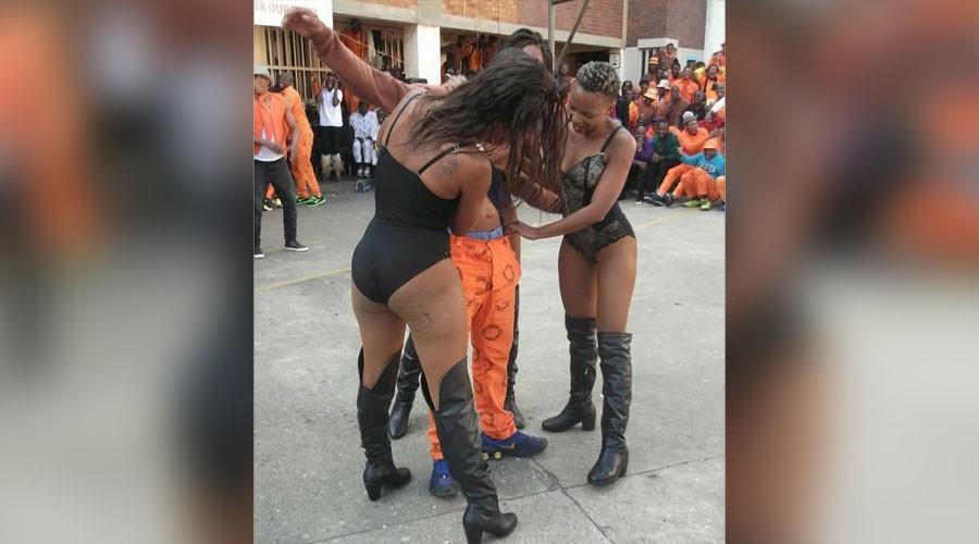 РТ: Стриптиз шоу у злогласном затвору у Јоханесбургу