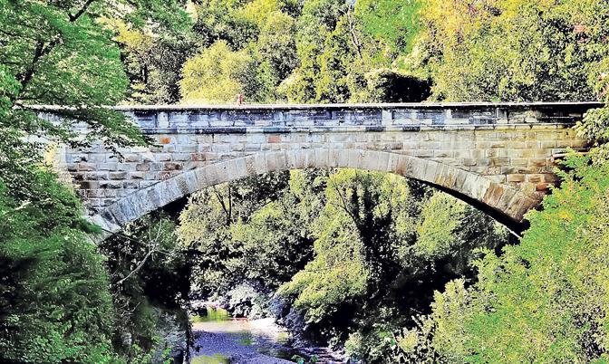 Ивањички мост од камена и јаја стар 111 година