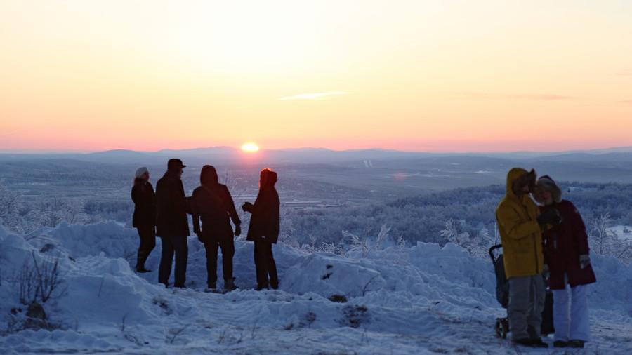 Први излазак Сунца за 40 дана: Арктички руски град поздравио светлост дана
