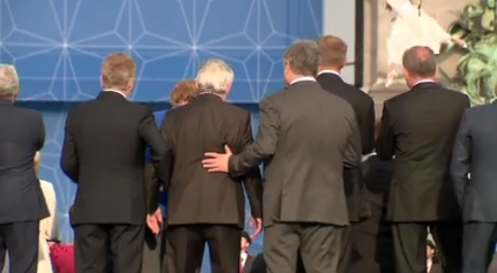 Žan Klod Junker došao pijan na samit NATO-a