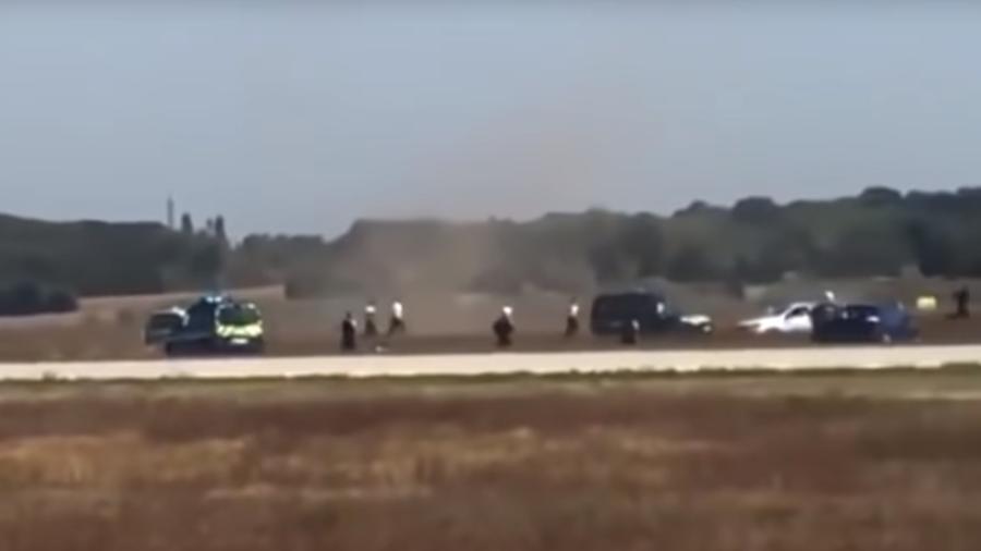 Полицијска потера за аутомобилом на аеродрому у Лиону