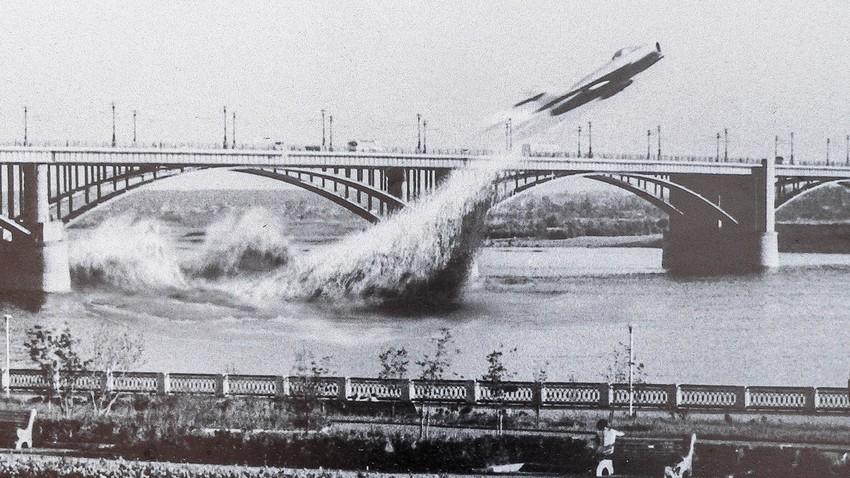 Како је совјетски ас због једног лета испод моста ризиковао живот и каријеру