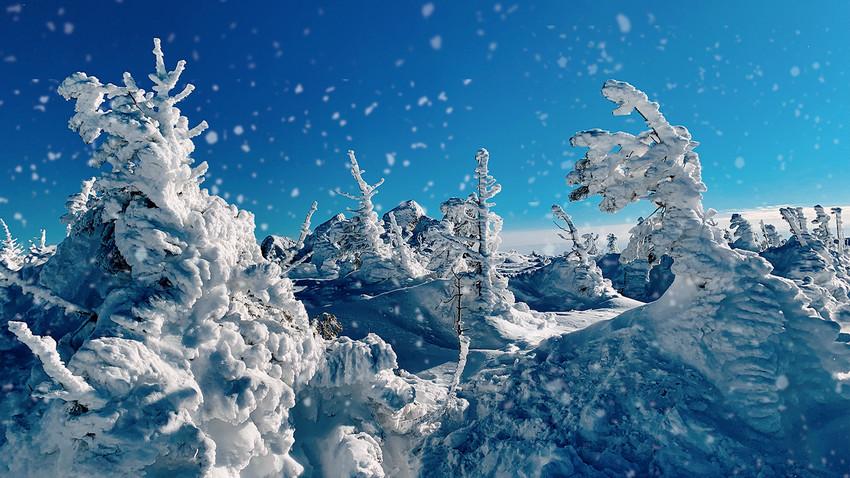 Невероватно лепи призори из затрпане снегом Русије