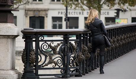 Парижанкама дозволили да носе панталоне