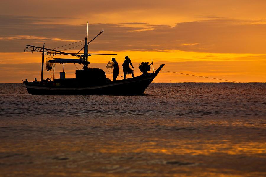 """Француски рибари """"уловили"""" португалску подморницу"""