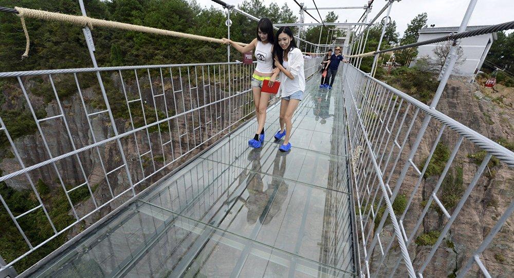У Кини отворен најдужи стаклени мост на свету
