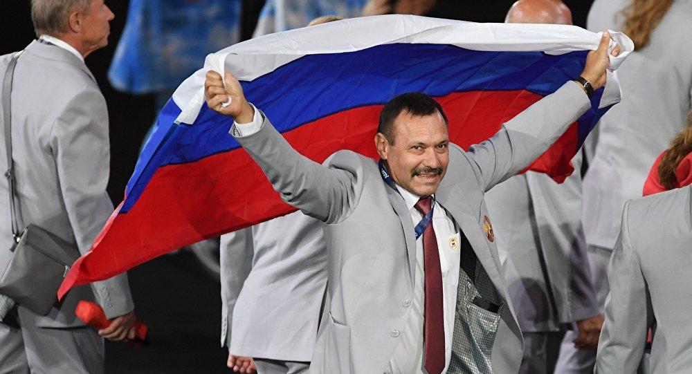 Белорус који је на Параолимпијским играма носио руску заставу добија стан