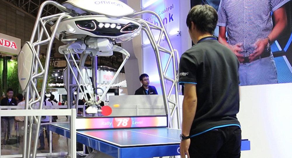 Робот игра стони тенис